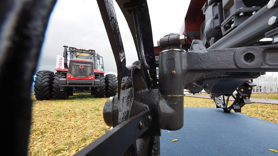 Технологическое отставание отечественного сельского хозяйства приводит к сильнейшей зависимости российского АПК от зарубежных технологий