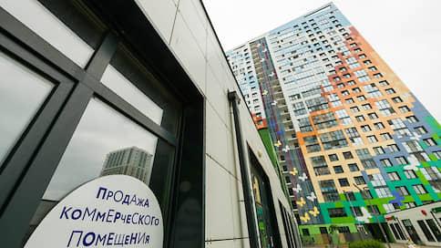 Первые этажи остаются на плаву  / Встроенные помещения
