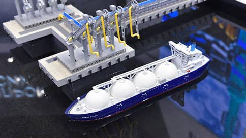 Курс на арктический флот  / Судостроение