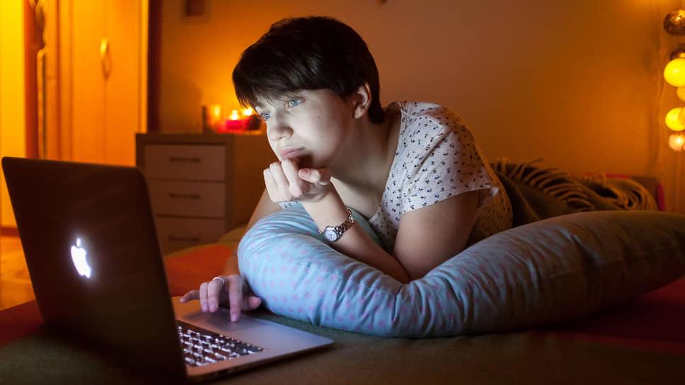 Вставать и ложиться с ноутбуком — не равно «хорошо работать». Менеджеры, понимая это, отпускают излишний контроль за сотрудниками на удаленке, пробуют новые форматы общения с ними и вводят поддерживающие сервисы