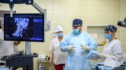 «Хирургия очень быстро ставит тебя наместо»  / Проект