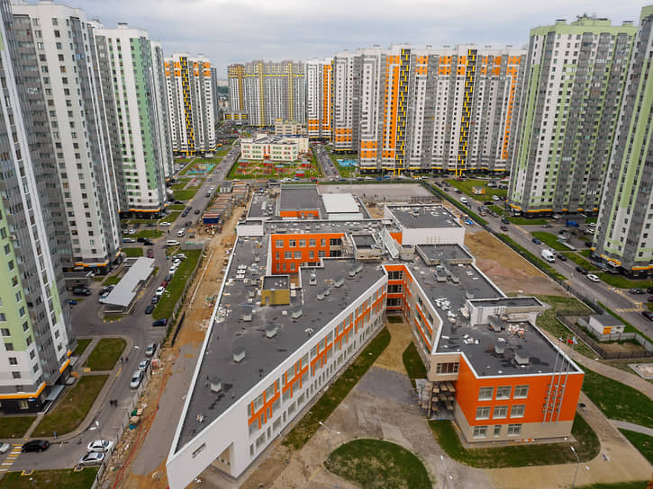Городу прямо сейчас требуется дополнительное строительство и финансирование для 44 объектов примерно на 26,6 млрд рублей