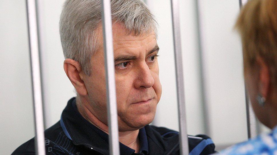 Крымских чиновников расселят по колониям / Вынесен приговор по делу о халатности, приведшей к гибели 153 человек