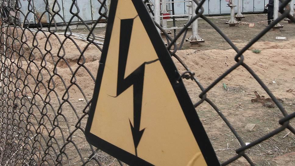 Ростову обещают энергонезависимость от  Украины / «Россети» опасаются отключений электричества из-за боев в Донбассе