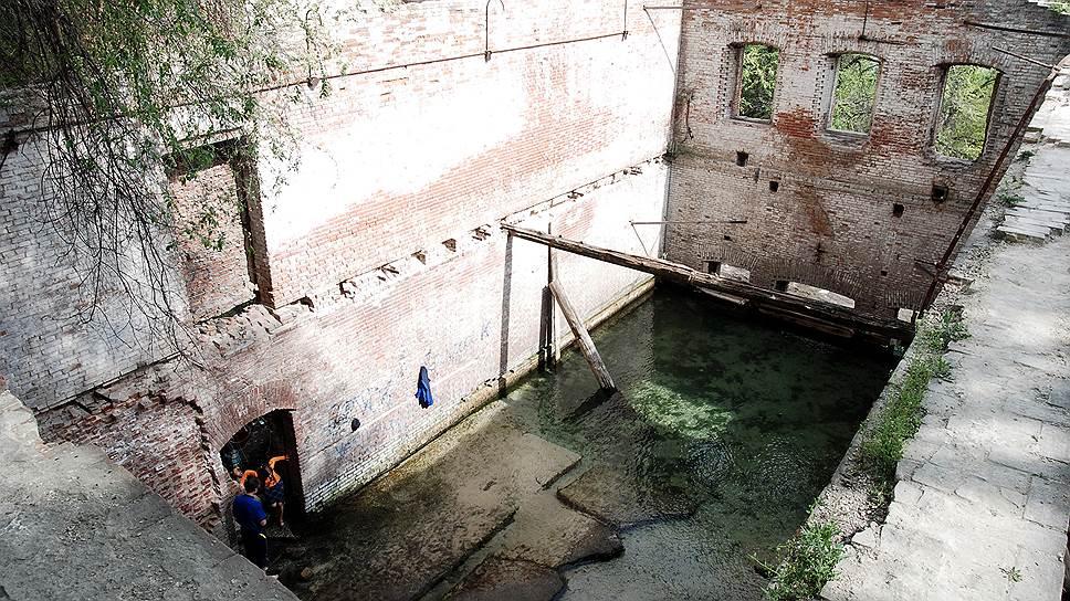 В Парамоновские склады заложили проект / Представлен первый вариант реконструкции памятника архитектуры XIX века
