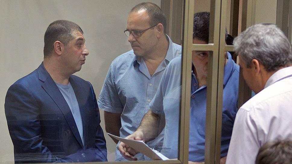Защитнику показали красную карточку / Адвокат Сергея Зиринова отстранена от процесса