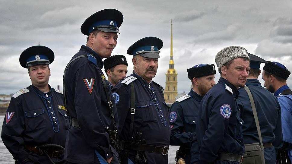 Казачьи атаманы сосредоточатся на госслужбе / Они будут отчитываться о доходах и расходах наравне с чиновниками