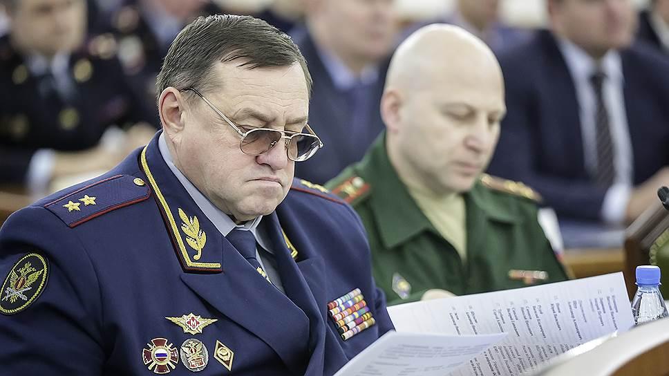 Генерал-лейтенант Сергей Смирнов утверждает, что он стал жертвой оговора со стороны подчиненного