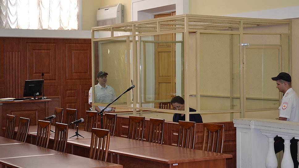 Бывшую судью начали судить за мошенничество