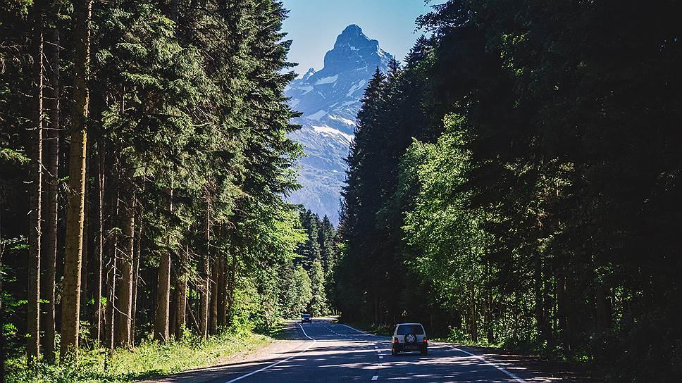 Прокуроров позвали в заповедные горы / «Гринпис» обнаружил строительство дороги на территории объекта всемирного наследия