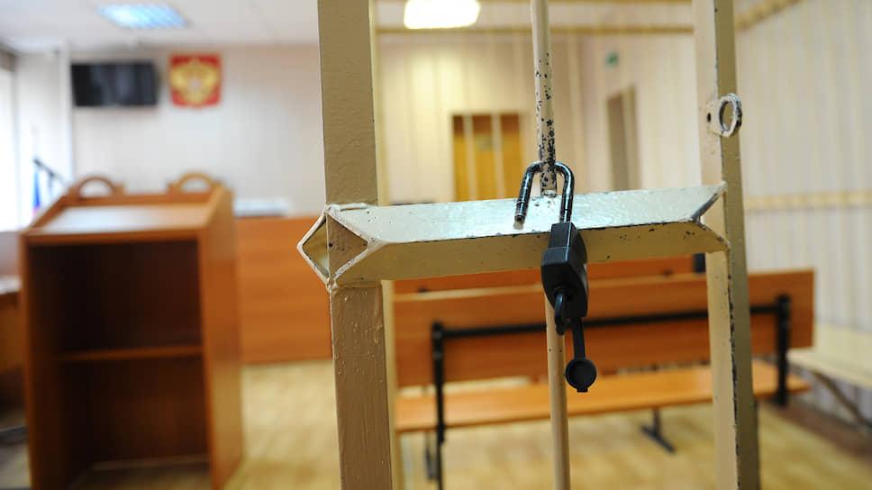 От особого к строгому / В Ростове начался суд над бывшим замглавы ростовского ГУ ФСИН