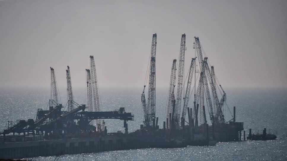 «Тамань» скрывается в тумане / Власти могут смириться с провалом проекта порта