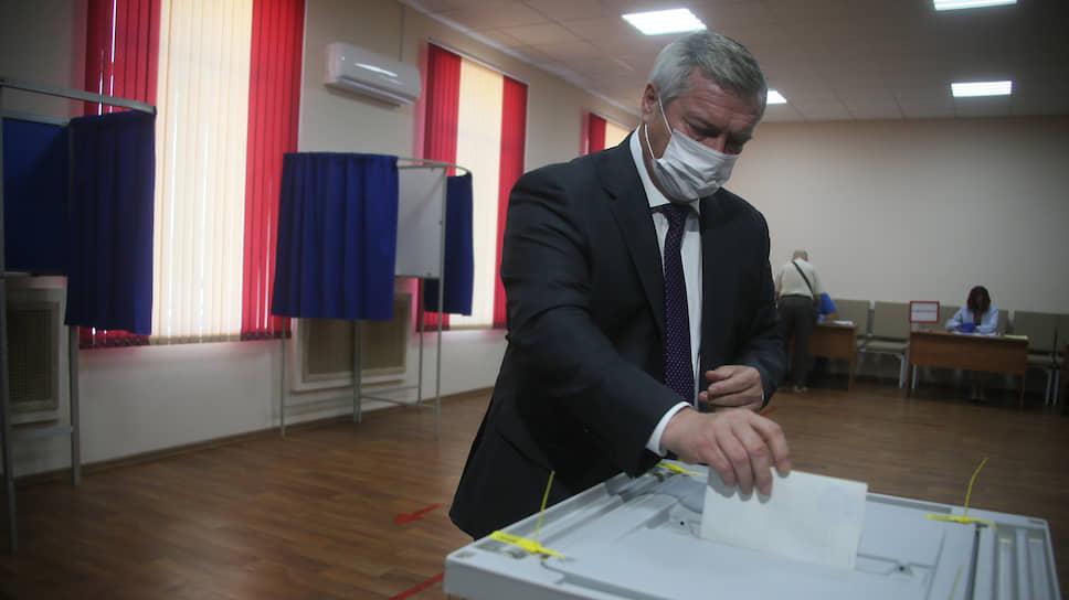 Не сходя с кресла / Василий Голубев в третий раз стал губернатором Ростовской области