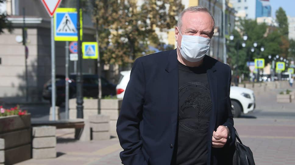 В «Ростов-Арену» засыпали не тот песок / Судят бывшего замгубернатора региона