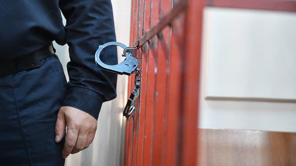 Стрельба не по адресу / Прошлогоднюю перестрелку в центре Краснодара разбирают в военном суде