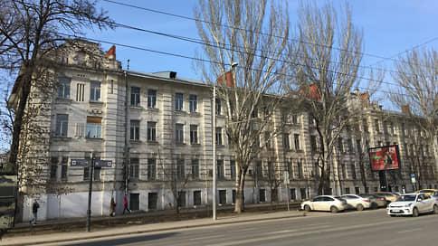 Дом иска // Здание бывшей мечети и армейского клуба в центре Ростова снова стало предметом судебного спора