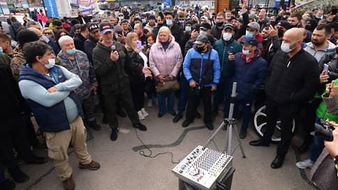 Более 7,5 тыс. человек подписали петицию против закрытия рынков в Аксайском районе  / Предприниматели хотят работать на своих точках