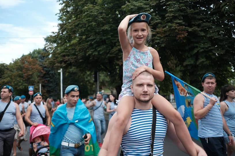 Празднование дня ВДВ, в центре города