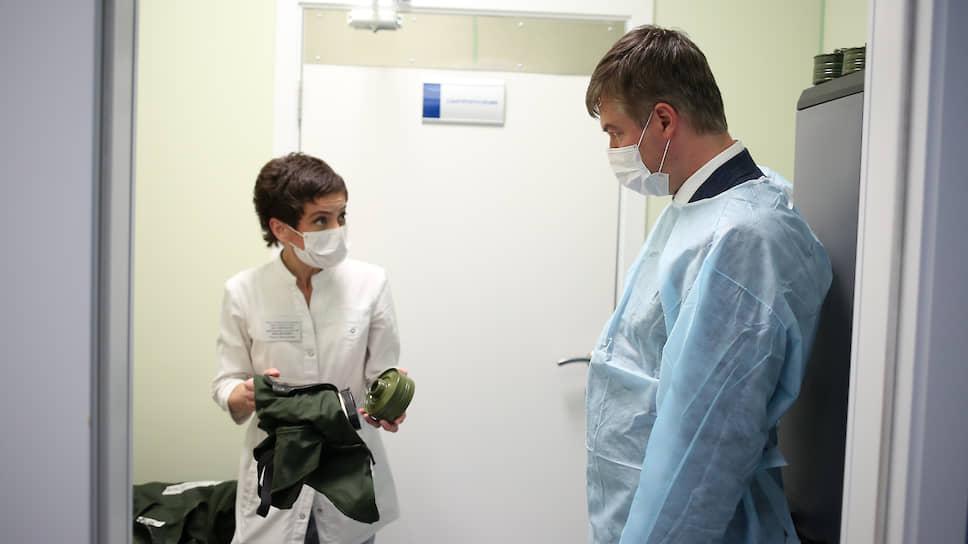Глава городской администрации Ростова Алексей Логвиненко в новом госпитале для больных коронавирусом