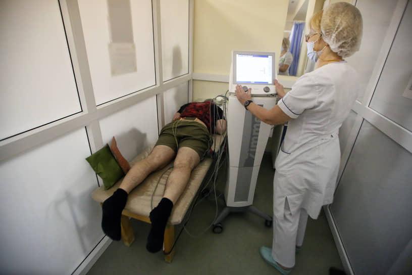 Ростовская клиническая больница Южного окружного медицинского центра ФМБА России, в которой с 3 декабря начнет работу моноинфекционный ковидный госпиталь на 120 коек, 12 из которых – реанимационные.