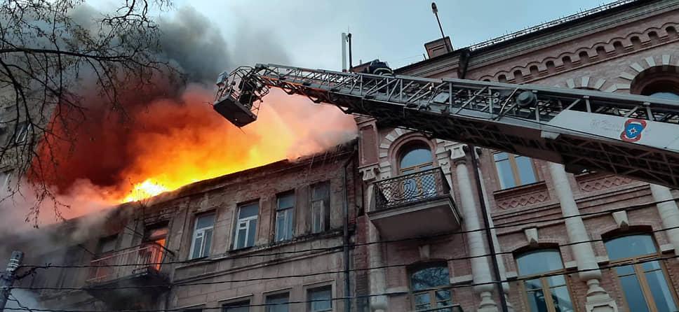 пожар на ул. Шаумяна в Ростове