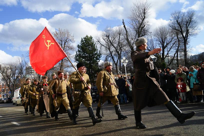 Военно-историческая реконструкция событий 12 февраля 1943 года - день осводождения Краснодара от немецкой оккупации.