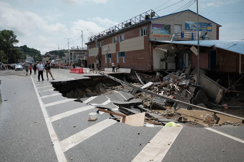 Июль 2021 г. Россия, Краснодарский край Последствия наводнения в курортных районах Краснодарского края.