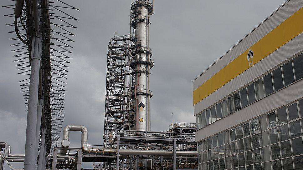 На НПЗ недосчитались нефти / Замдиректора Новокуйбышевского НПЗ обвиняют взлоупотреблении полномочиями