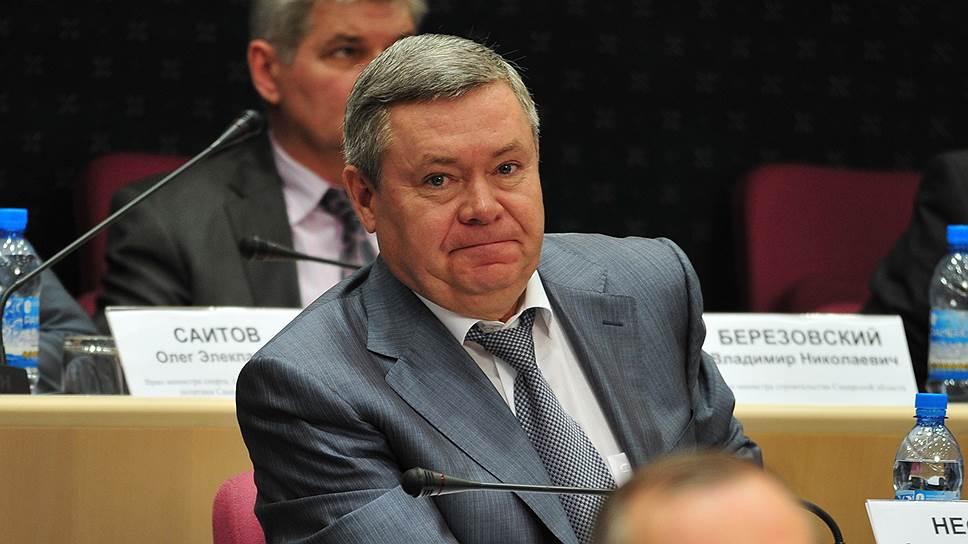 Депутаты получили ту же премьеру / О деятельности правительства перед ними отчитался Александр Нефедов