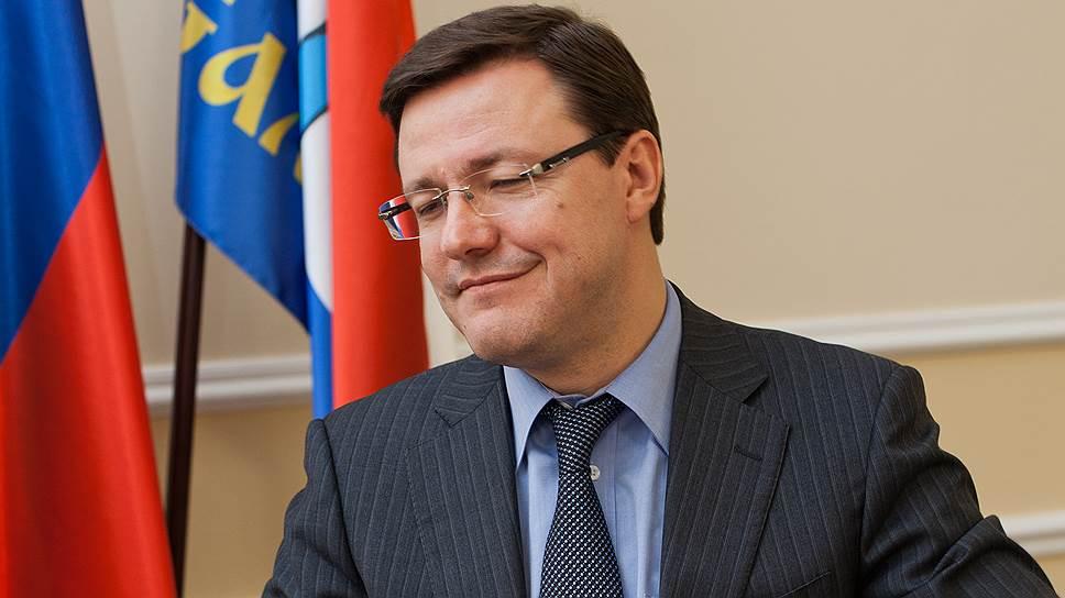 Дмитрий Азаров признает наличие ряда нерешенных проблем, но в целом доволен работой своих подчиненных