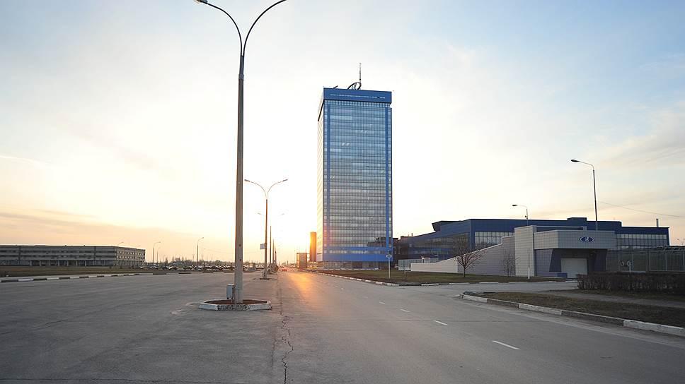 В Тольятти запланировали падение промпроизводства / Прогноз экономического развития города на2015год невселяет оптимизма