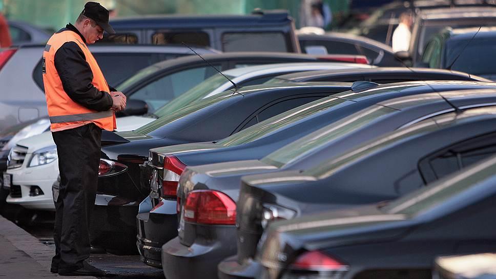 Почему в Самаре решили организовать платные парковки