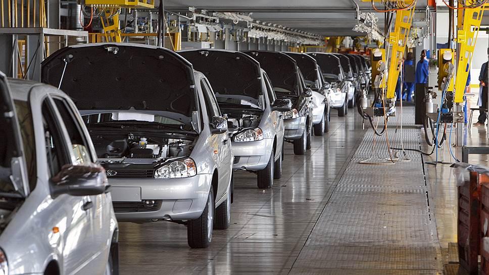 АвтоВАЗ остался навторой год / Тольяттинский завод возобновил программу утилизации