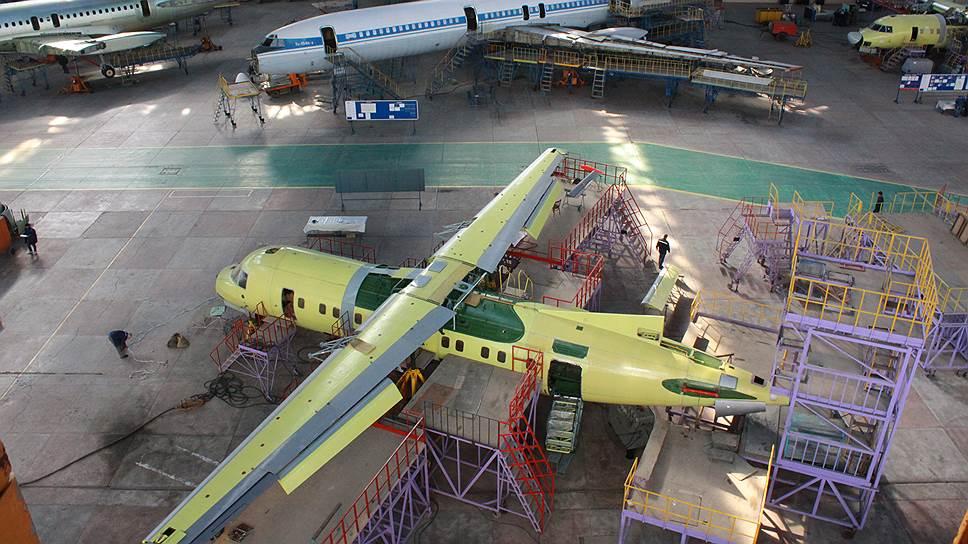 Производство Ан‑140, оказавшегося невостребованным рынком, атакже ремонт Ту‑154 были ключевыми проектами самарского авиазавода