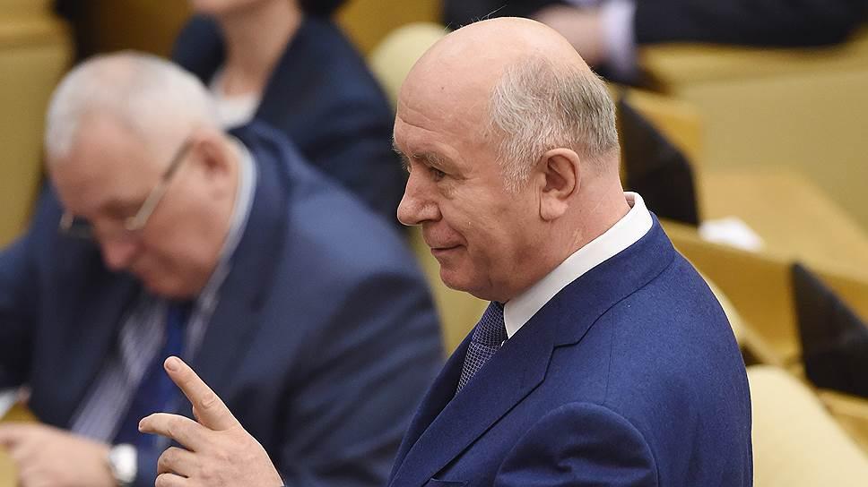 Губернатор Самарской области Николай Меркушкин рассылку сообщений оякобы его смерти назвал «большой ошибкой неизвестных провокаторов»