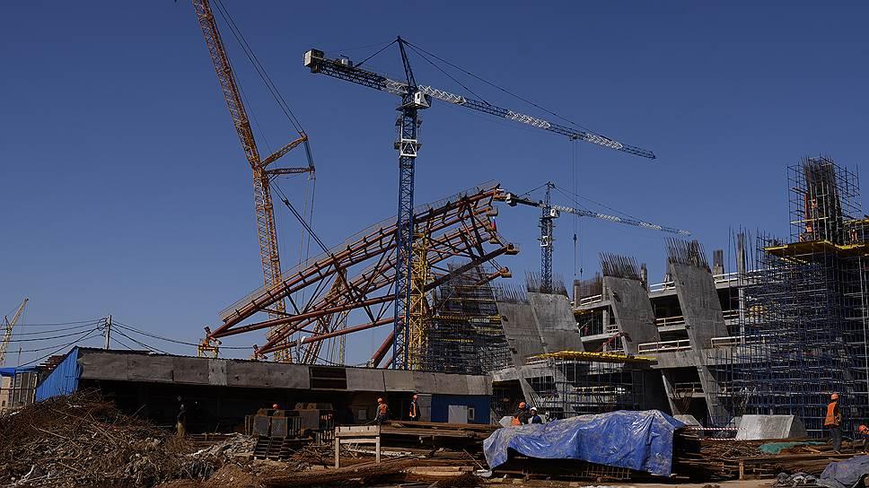 «Казань» передает мяч / Подрядчик строительства стадиона киграм ЧМ‑2018 вСамаре будет изменен
