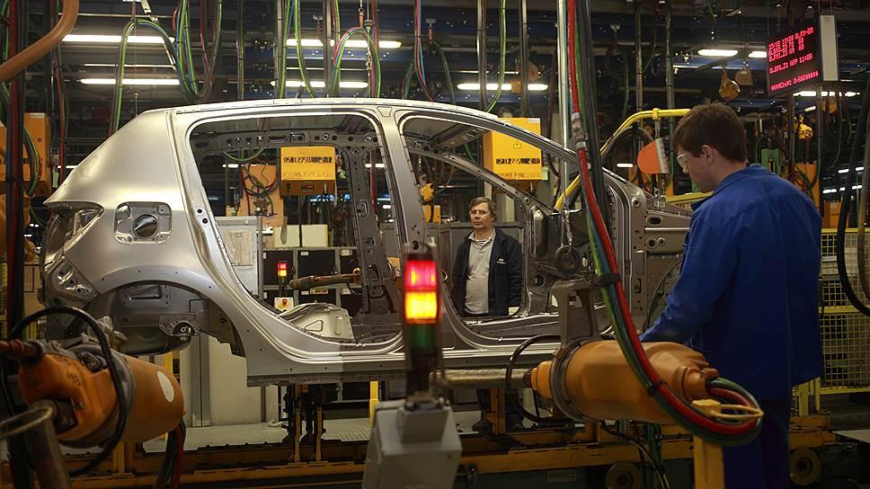 АвтоВАЗ тронулся сместа / Завод нарастил продажи поитогам апреля