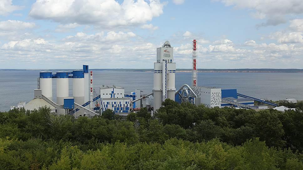 Построенный посамым современным технологиям, Сенгилеевский цементный завод попал впериод падения спроса насвою продукцию