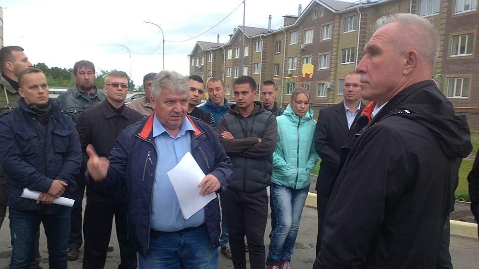 Мэр Ульяновска Сергей Панчин (слева) доложил губернатору Сергею Морозову, что КНС восстановлена и ее через суд будут пытаться вернуть городу