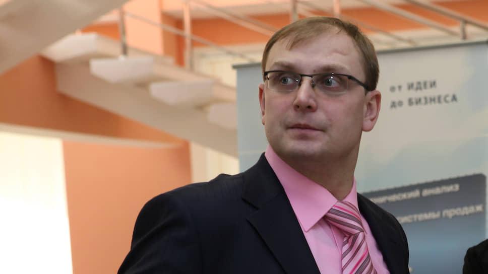 Александр Смекалин уступит кресло главы Ульяновского правительства губернатору, ноостанется вторым человеком вструктуре исполнительной власти региона