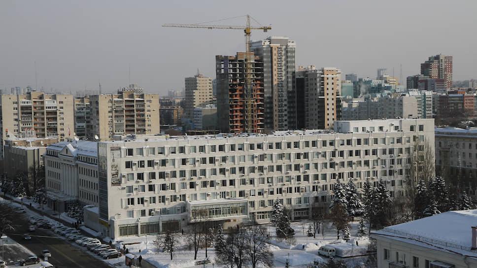 По мнению авторов законопроекта, пятилетняя отсрочка начала уплаты взносов непозволит своевременно собрать средства для капремонта домов дотрех этажей