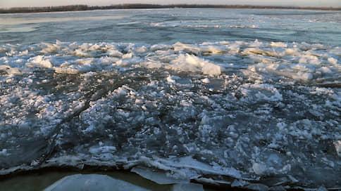 Волгу поднимут на два метра  / Регионы ПФО предлагают ограничить сброс воды Куйбышевского водохранилища до 51 м