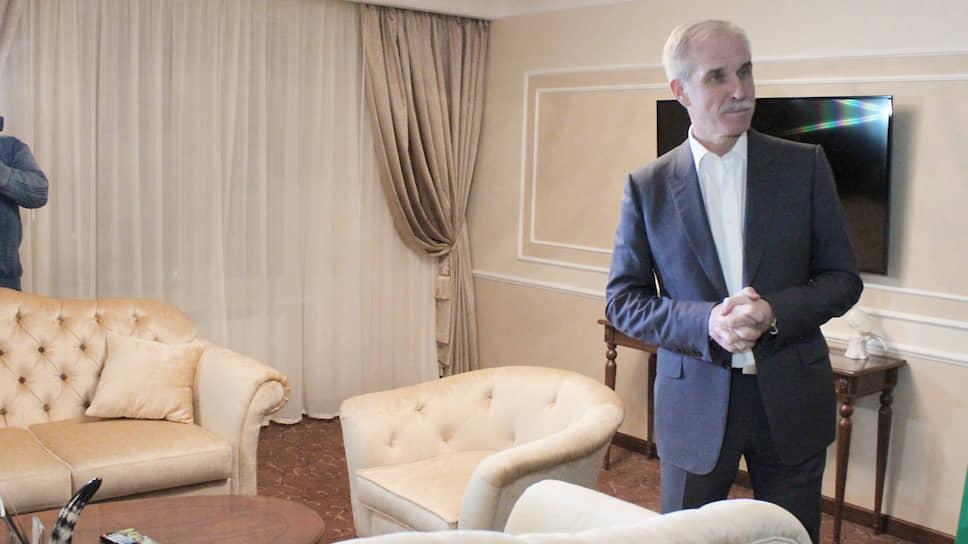 Губернатор Сергей Морозов намерен оказать поддержку компаниям, пострадавшим откоронавируса. Отели итурбизнес— среди первых