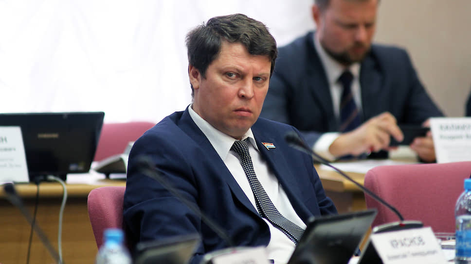 Ранее под пристальное внимание силовиков попала другая публикация господина Матвеева в«Твиттере» онеподтвердившейся информации про заболевание коронавирусом вНовокуйбышевске