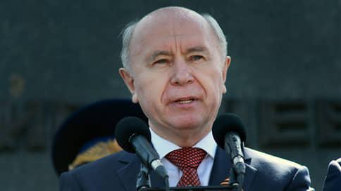 Властям показалось мало  / Правительство Самарской области не поддержало законопроект о заморозке доплат к пенсиям чиновников