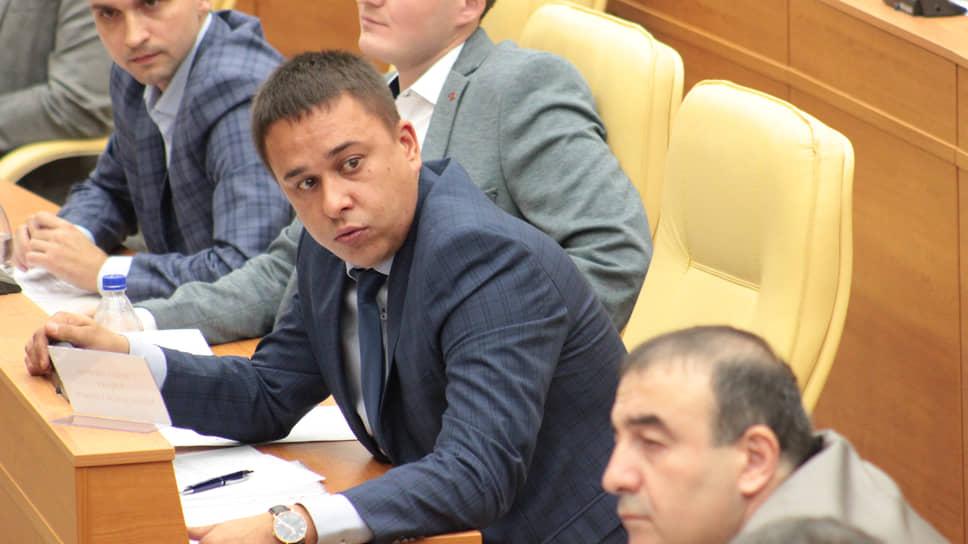 Спорный поступок Айрата Гибатдинова осудили некоторые коллеги
