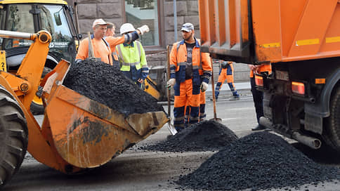 Депутаты свернули на местную дорогу // В областной думе предложили увеличить бюджет на ремонт городской транспортной инфраструктуры