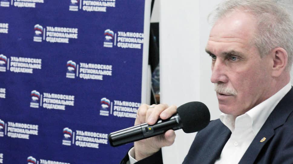 Сергей Морозов ждет решения президента поповоду выдвижения своей кандидатуры наочередной губернаторский срок