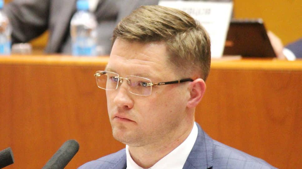 Нецелесообразный министр / Евгений Чудаев стал первым в стране главой регионального минстроя, не согласованным в рамках федерального закона