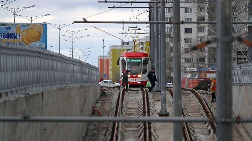 Трамвайная система продолжает развиваться: новую линию ветку до стадиона «Самара Арена» построили перед ЧМ-2018.